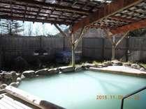 硫黄泉露天風呂付の大浴場