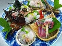 【地魚のお造り盛合せ一例】ご予算の目安は2名様で5000円程度です。※要予約