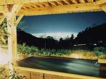 当館の露天風呂から望む眺望は絶景です!特に夜景は「美しい!」の一言☆☆