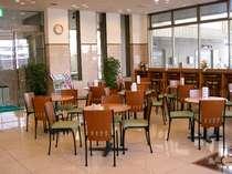 【ロビー】談笑の場に★朝は朝食会場となります。