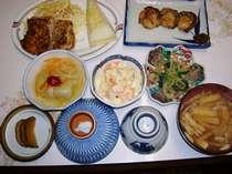 夕食メニューの一例、夕食メニューは日替わりです。