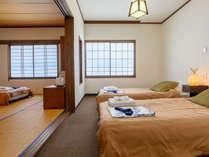 Room 3 - 6