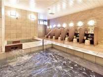 大浴場。お湯風呂・水風呂があります。