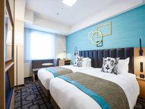 【スタンダードツインルーム】21.7~23.3平米。ワイドシングルサイズで、ゆったり眠れるベッド2台。