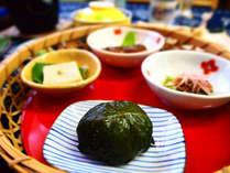 地のもんを 少しずつ味わう『竹篭あそび』どれから食べようかな??
