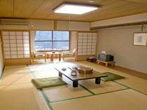 二津野湖畔の見える部屋