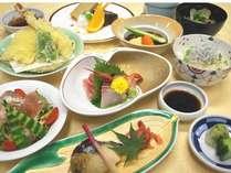 旬の食材を使用した和洋夕食膳)【満腹コース】(写真はイメージです)