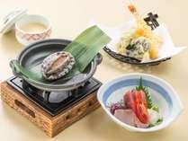 漁火御膳。煮物・茶碗蒸・白飯・味噌汁・香の物付。