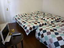 *1~4名の個室寝室* 便利なリビングルーム 駐車無料のプラン 1名¥3100~
