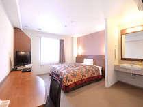 1ベッドルーム(幅150cmのゆったりしたベッドです。)
