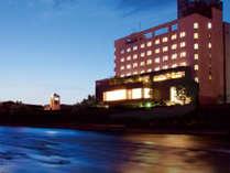 日本三大急流「球磨川」から望む夜景ホテルサン人吉