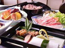 *奥州いわい鶏のお料理と、地産の旬の食材は、女将自ら山で採取した、新鮮な地のものをご提供。