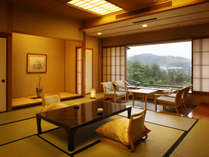 6000坪の庭園を望む客室