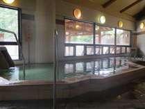 やわらかな湯がたっぷりの大浴場♪ジャグジー付き寝湯も完備