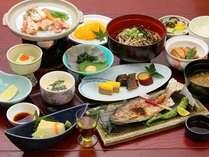 ここでしか味わえない本格手打ちそばを始め、カラダに優しい郷土料理の数々を♪夕食会席料理の一例