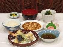 絶品「麻婆豆腐」と「季節の天ぷら」他和食中華ご膳 和中朝食バイキングと天然温泉付き1泊2食セミダブル