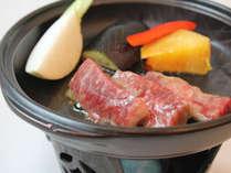 肉汁ジューシー!【国産牛陶板】をアツアツで堪能!