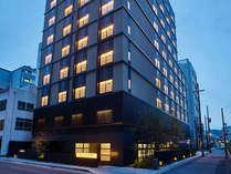 京都観光の中心となるバスターミナルほか、JR・地下鉄「京都」駅へも徒歩3分
