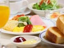 朝食(洋食セット) 厚切りトーストはお替り自由♪