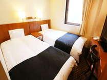 ツインルーム(広さ12平米/ベッド幅100cm×2台)