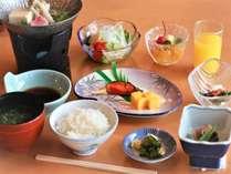 朝食※お食事は予約状況によりブッフェもしくは個食での提供となります。