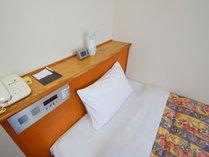シングルルームベッド幅は110cm、122cmの2タイプ