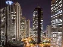 高層階のお部屋からは新宿摩天楼の夜景をお楽しみいただけます。