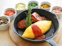 ブレックファスト:エッグステーションでお好みの卵料理を。