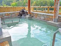 【温泉】泉質は単純硫黄冷鉱泉で、神経痛・リウマチ・糖尿病などに効果があるといわれています