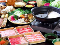 ★しゃぶしゃぶ会席では、4~5種類のスープから2種類選ぶことができます。