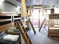 6人ドミトリールーム/6人プライベートルーム/5人個室としても利用できます。