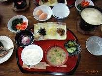 豆腐と湯葉をメインにした、ヘルシーな朝食を召し上がって下さい。