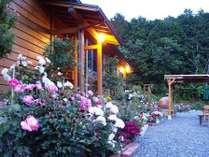 バラの庭(玄関)