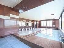 名湯100選に選ばれた温泉が楽しめる大浴場
