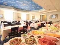 朝食はレストランで和洋の朝食バイキングをご用意いたします。