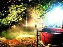 【打たせ湯】  *満天の星空を眺めながら澄んだ空気と強アルカリの温泉をご堪能ください