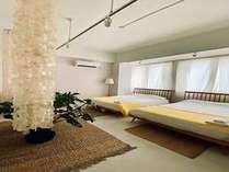 Jo-Toは2つのダブルベッドがある、日当たりのよい個室のお部屋です。定員は4名様です