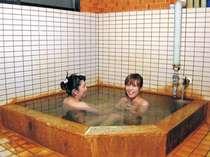 源泉掛け流しの温泉は24時間入浴可能!心ゆくまで満喫できます。