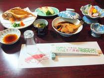 *地魚をメインに、地の魚や旬の味をお食事にご用意。地魚料理をお愉しみ下さい。