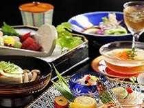 季節の会席 夏料理の一例です。