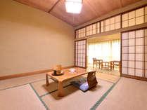 *和室8畳(客室一例)/ご家族やカップルでのご宿泊にオススメ。足を伸ばしてのんびりとお寛ぎ下さい。