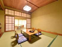 *和室10畳(客室一例)/グループやご家族でのご宿泊に◎畳のお部屋で団欒のひと時をお過ごし下さい。