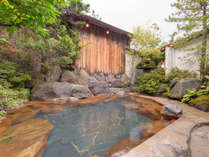 *啼子の湯/肌触りがつるつるになると評判!季節の風を感じながら、ごゆっくりとお入りください。