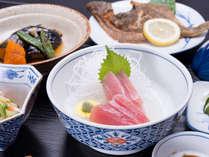 """*お夕食一例(自炊プラン)/地元宮城の旬味を活かした、まさに心温まる""""おふくろの味""""。"""