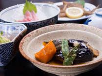 *お夕食一例(自炊プラン)/手作りならではの、やさしい味わいをお楽しみください。