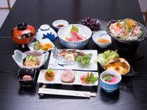 *お夕食一例(イメージ)/品揃え豊富♪手作り料理に心も身体も満たされます。