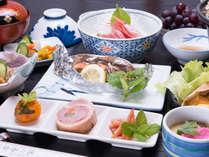 *お夕食一例(イメージ)/山海の幸が並ぶ田舎料理。地元自慢の美味しいお米とともに。