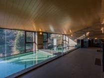 6階大浴場「浮雲の湯」緑を眺めながらのんびり湯三昧を。男女入替え制となっております