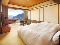 箱根を取り囲む外輪山を遠くに望む開放感を味わえるお部屋(一例)