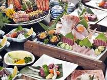 土佐和牛サイコロステーキ付海鮮皿鉢※季節により若干内容が変わる場合がございます(4名様用・イメージ)